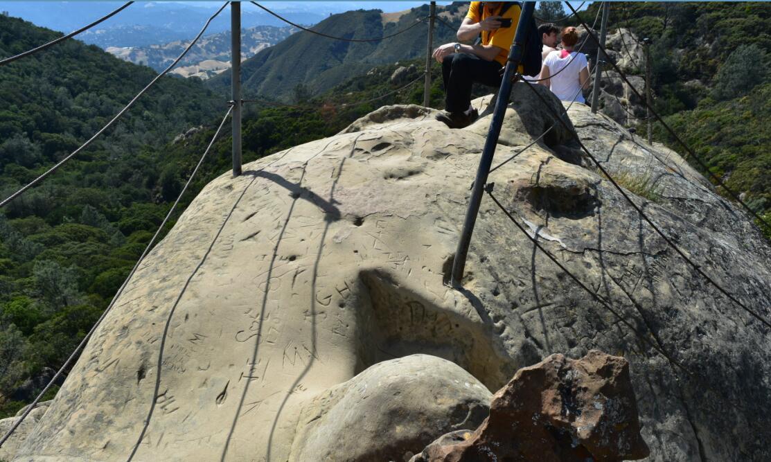 Mt Diablo Summit Trail-rock city5