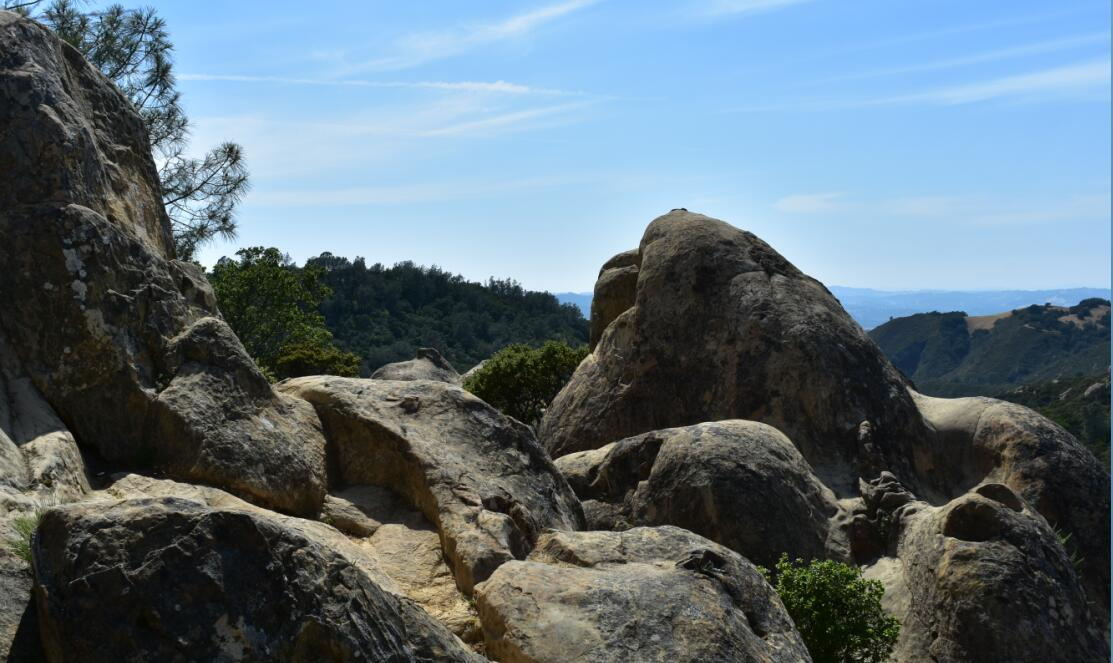 Mt Diablo Summit Trail-rock city6