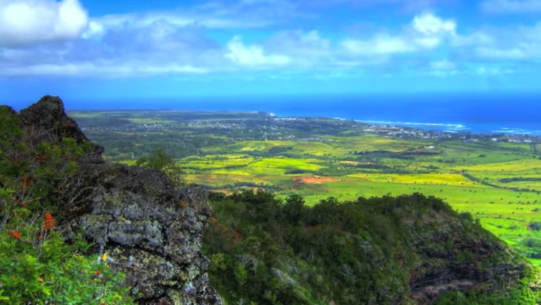 sleeping-giant-moutain-trail-nounou-mountain-kauai-hawaii2_0
